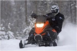 snowmobiel wedstrijd yamaha onderhoud