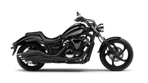 2014-Yamaha-XVS1300-Custom-EU-Midnight-Black-Studio-002